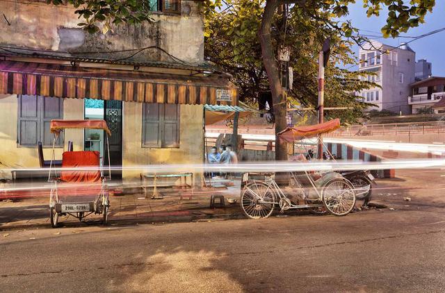 , 'Hanoi 18h/6h 16,' 2012, Art Vietnam Gallery