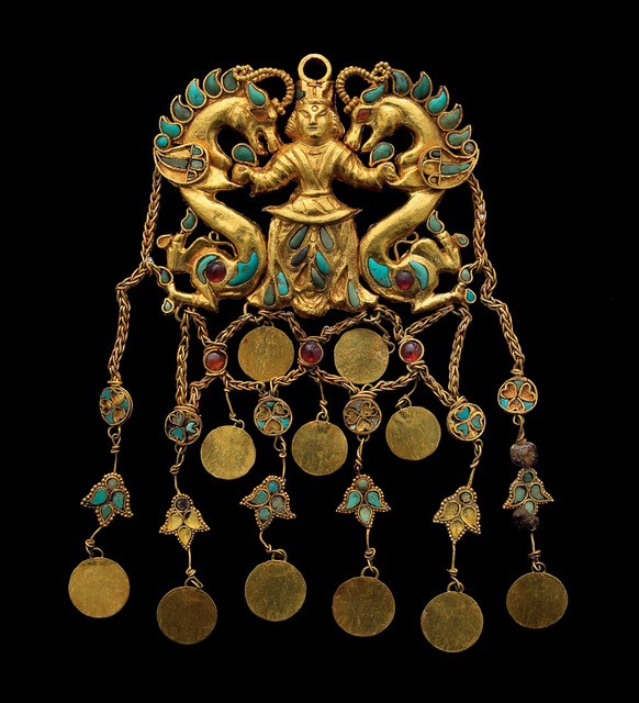 , 'A pair of pendants showing the 'Dragon Master' Tillya Tepe, Tomb II,' 1st century AD, Art Gallery of New South Wales