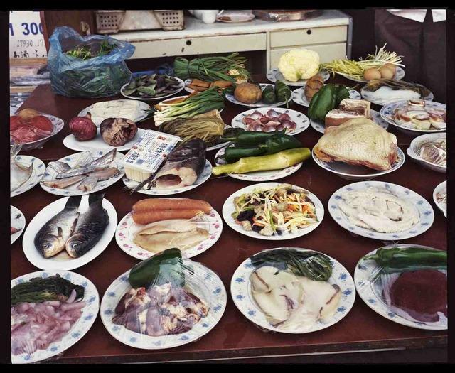 , 'Restaurant en plein air, novembre 2002, Shanghai 露天餐厅,2002年11月,上海,' 2002, Shanghai Gallery of Art