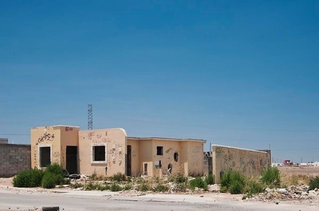 , 'Esta finca no será demolida (This property will not be demolished),' 2011, Galerie Peter Kilchmann