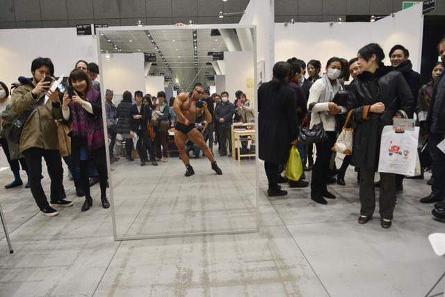Satoshi Hashimoto, 'Photographer: Bodybuilder', 2012/ 2014, Photography, C-print with a wooden frame, Aoyama | Meguro