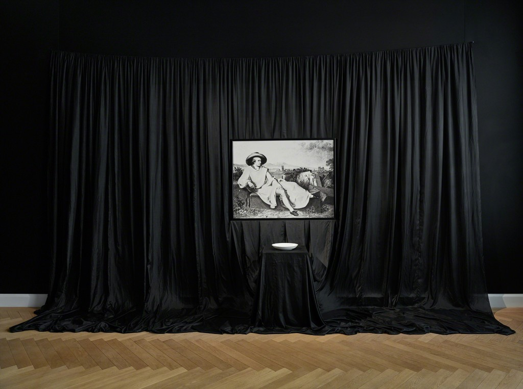 James Lee Byars, The Poetic Conceit (1983). Exhibition view: James Lee Byars, The Palace of Perfect, KEWENIG, Berlin (16 February–13 April 2019). Courtesy KEWENIG, Berlin. Copyright: The Estate of James Lee Byars. Photo: Stefan Müller.