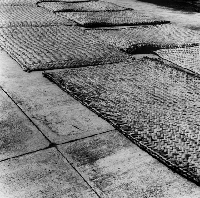 , 'Petates sobre concreto,' 2016, Patricia Conde Galería