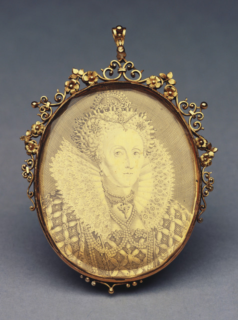 , 'England. Elizabeth I engraved medallic portrait in an ornate gold glazed mount with integral loop for suspension.,' ca. 1616, Royal Collection Trust