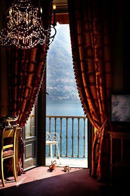 David Drebin, 'Heels in Lake Como', 2013, Galerie de Bellefeuille