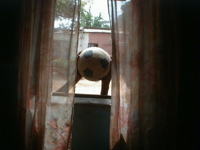 , 'Chambres Maliennes, J'intègre ma passion dans la photo,' 2001, Galleri Flach