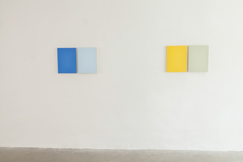 Exhibition View, DAS ESSZIMMER – space for art+: Untitled, 2017, Oil on Two Boards, 40.5 x 63cm (with split) , two variations by Eric Cruikshank