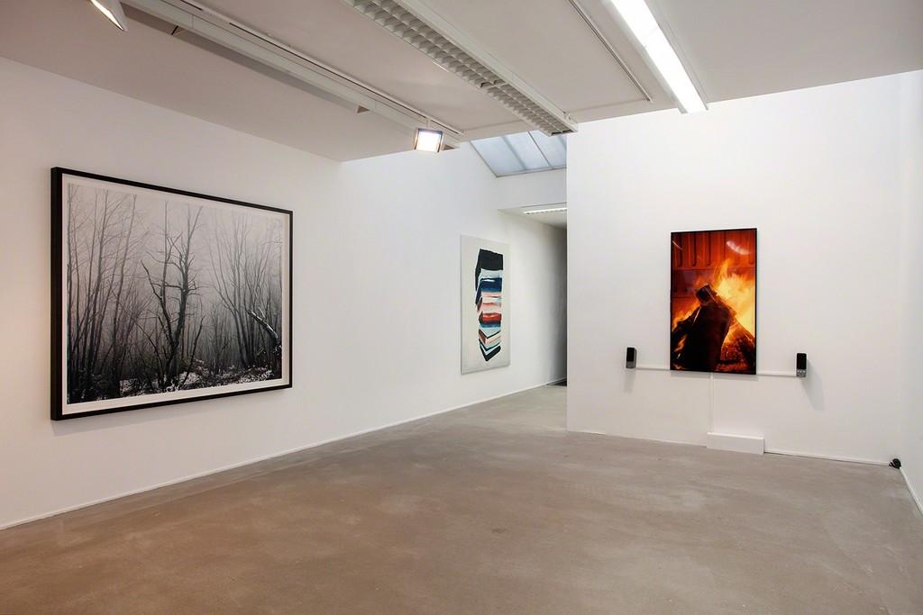 Overview with works by Axel Hütte, Cevdet Erek and Andrei Roiter, photo Wytske van Keulen