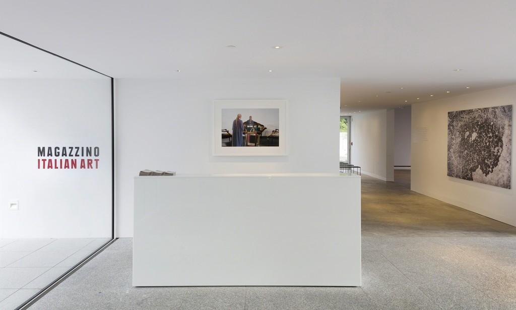 Magazzino Italian Art. Giulio Paolini, Sala d'attesa, 2016; Marco Anelli, Costruendo Magazzino: Calcesruzzo #02, 2017. Photograph by Marco Anelli © 2017.