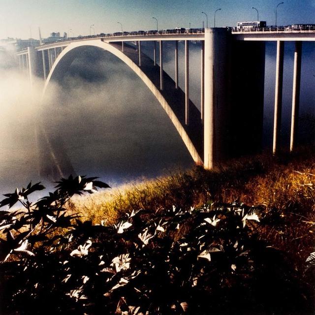 """, 'Puente """"La Amistad"""", Ciudad del Este, Paraguay,' 2008, Galerie Julian Sander"""