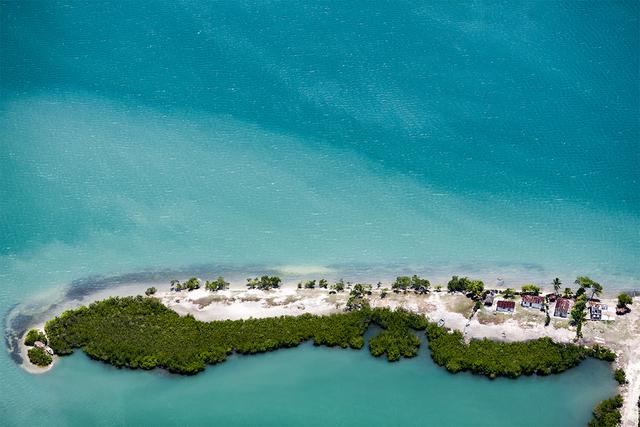 , 'Arbres verts, barques et maisons sur sable clair,' ca. 2010, The Print Atelier