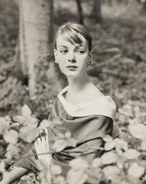 Nena von Schlebrugge: Elegant, in the Forest (First Test Shots)