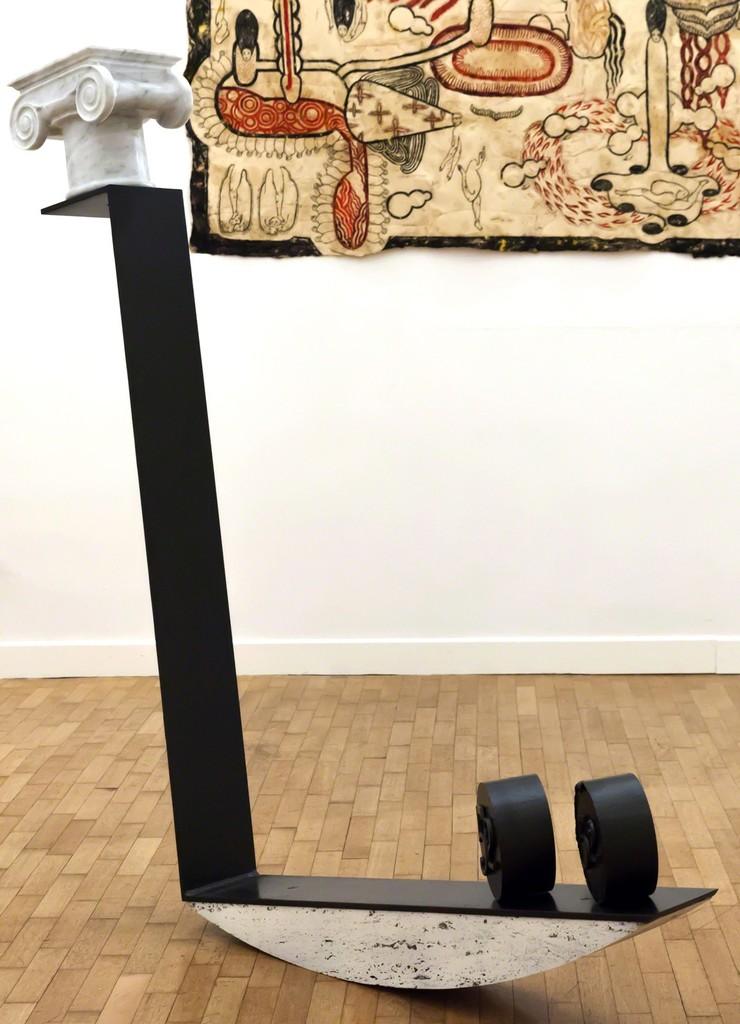 "Emmanuele De Ruvo, ""Anachronism"", 2016, iron, steel, carrara marble, statuario marble, travertine, 150x120x20cm e Simone Pellegrini ""Senza Titolo"", 2016, mixed media on paper 85x175cm — presso Montoro12 Contemporary Art."
