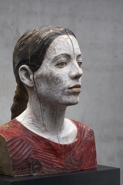 Bruno Walpoth, 'Sara con treccia', 2016, Sculpture, Walnut wood, Accesso Galleria