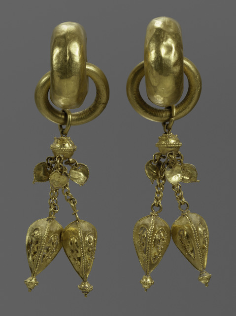 , 'Pair of Earring,' End of 5th century, The Metropolitan Museum of Art