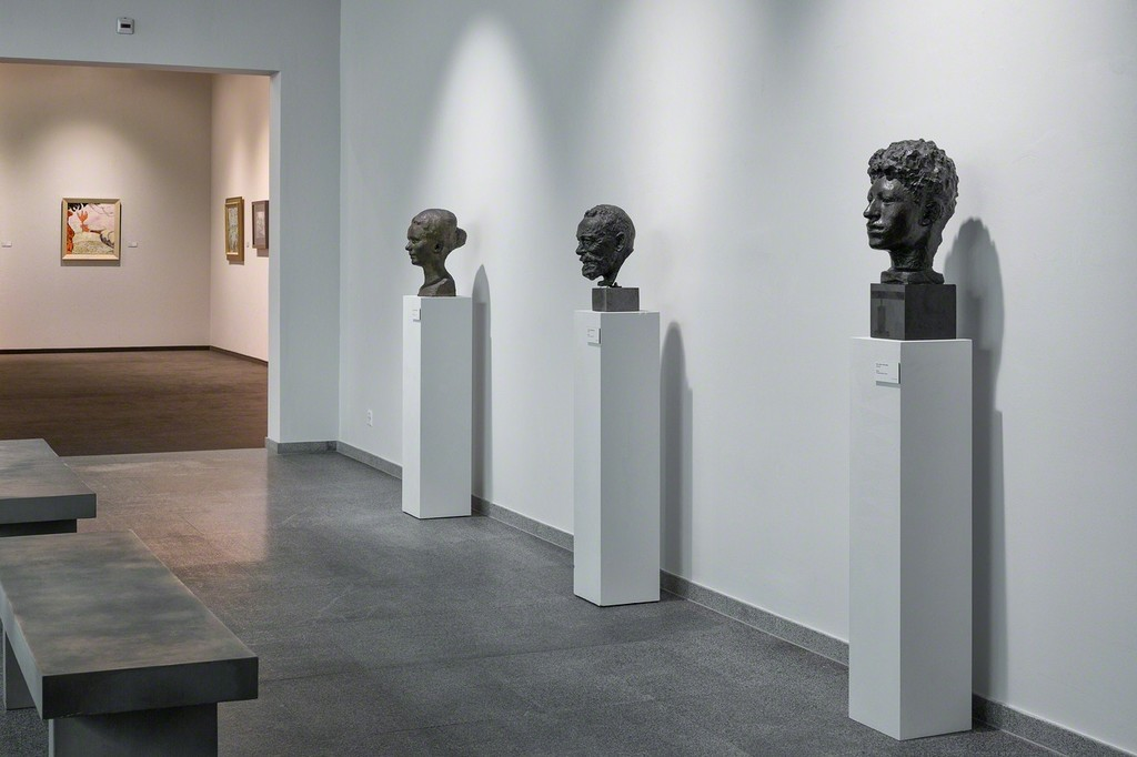 Some of Cuno Amiet's rare bronze portrait busts are also on display in the retrospective (photo: Markus Beyeler)