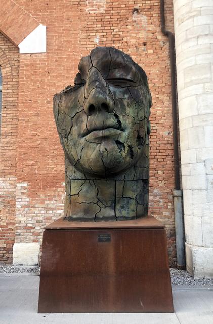 Igor Mitoraj, 'Teseo Screpolato', 2011, Contini Art Gallery