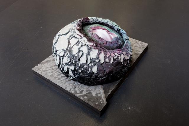 , 'Grauwe korstblob met Maagdelijk aardsatijn,' 2017, Mini Galerie