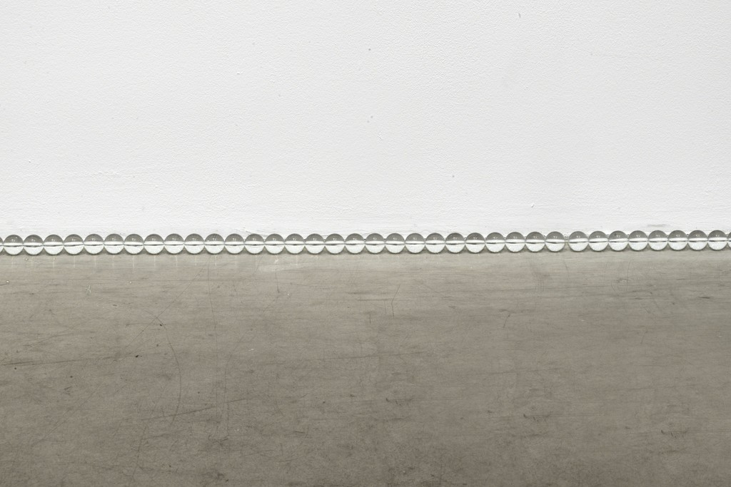 Olaf Nicolai, Der 673. Morgen, Galerie EIGEN + ART Leipzig/Berlin, Photo: Uwe Walter, Berlin