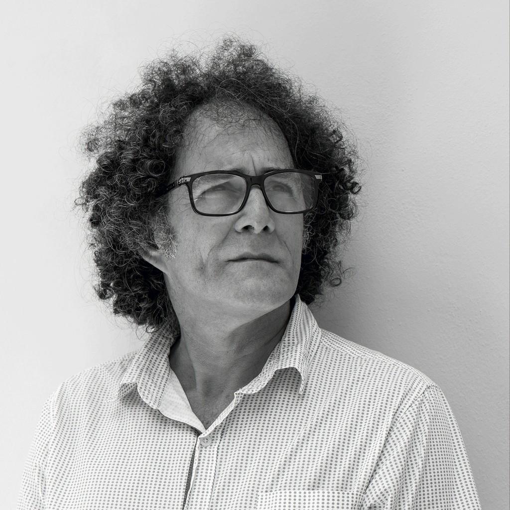Presented Artist: Hector Frank Heredia (*1961)