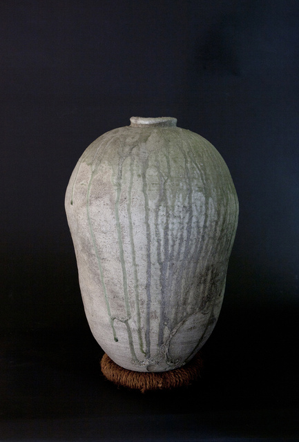 Yui Tsujimura, 'Cocoon Shaped Large Jar with Natural Ash Glaze (Resting on a pillow)', Ippodo Gallery