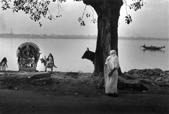Raghu Rai Women And Kali Along Ganga River Calcutta India 1987 Available For Sale Artsy