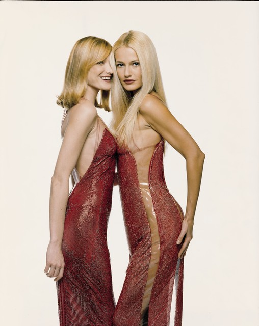 , 'Carla Bruni and Karen Mulder,' 1995, Photo12 Galerie