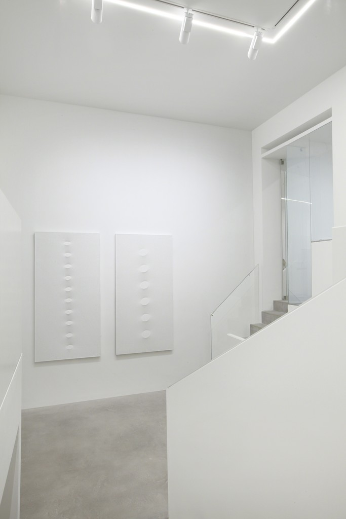 Dep Art brand-new venue in Milan on occasion of the exhibition, Turi Simeti White Paintings.