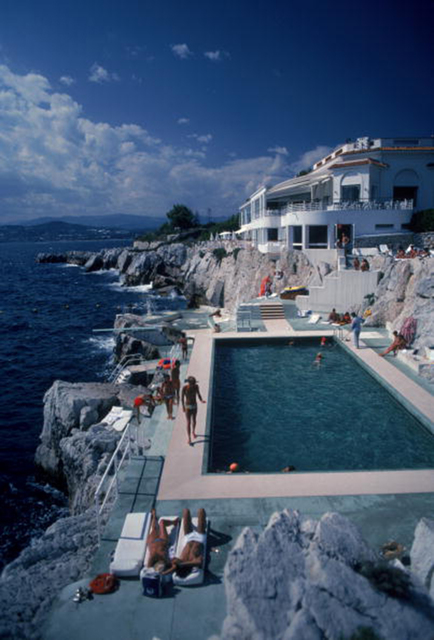 , 'Eden Roc Pool: Guests by the pool at the Hotel du Cap Eden-Roc, Antibes, France,' 1976, Staley-Wise Gallery