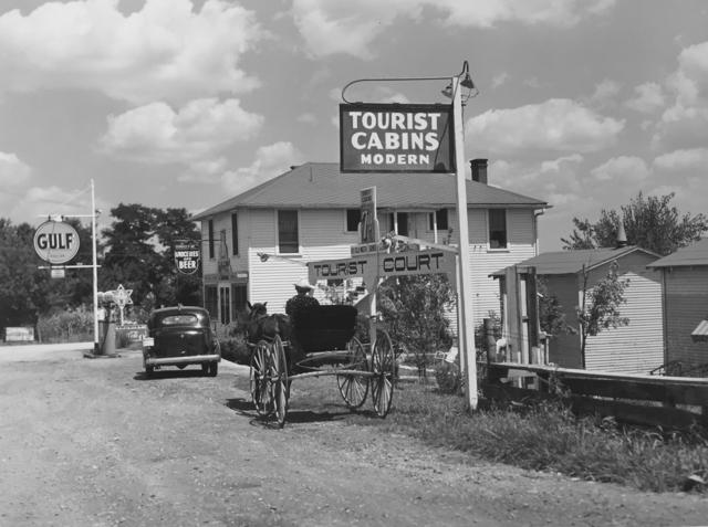 , 'Tourist cabins along highway near Bardstown, Kentucky,' 1940, G. Gibson Gallery