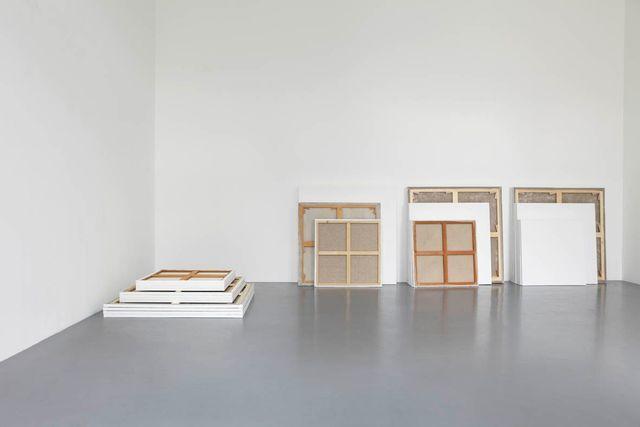 """Claude Rutault, 'de-finition/method stack in common / dé-finition/méthode """"pile indivise""""', 2010, Perrotin"""
