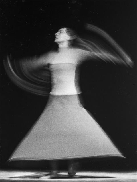 , 'Giro (Dore Hoyer en Bolero de Ravel, Teatro Colón),' 1962, Vasari
