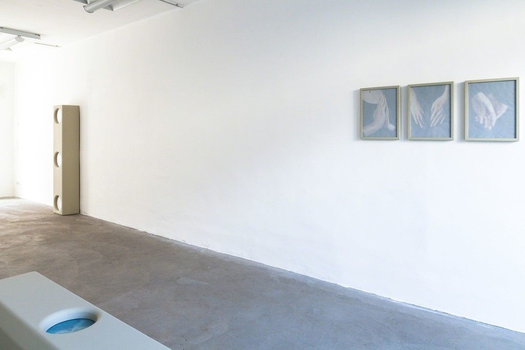 "Michael Volkmer: installation view (from left to right), ""housing #2"" / Eva-Marie, 2015 