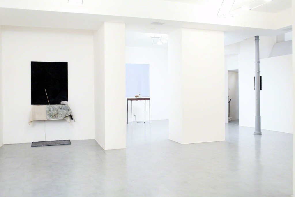 Exhibition view - Pier Paolo Calzolari - Che ne è del sogno