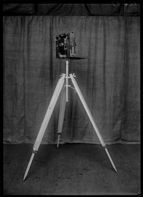, 'Demonstration of the Metric photography of Bertillon with a Body that Simulates a Corps,' 1925, Nederlands Fotomuseum