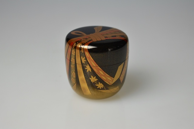 , 'Gold Lacquer Tea Caddy with Festive Knot and Ribbons,' Shōwa period, Galerie Kommoss