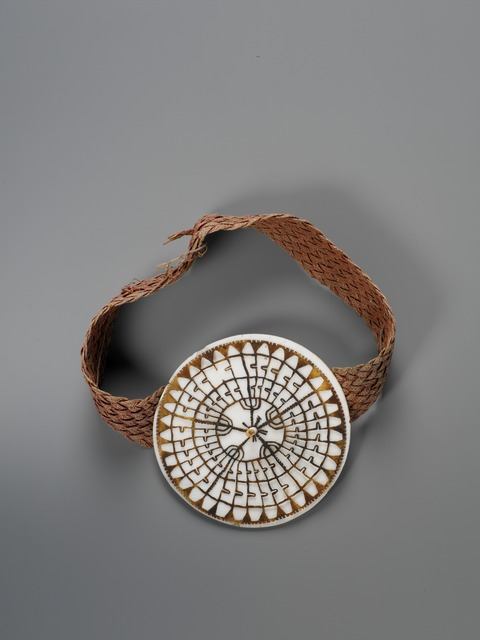, 'Ornement de front (Forehead ornament),' Early 19th century, Musée du quai Branly