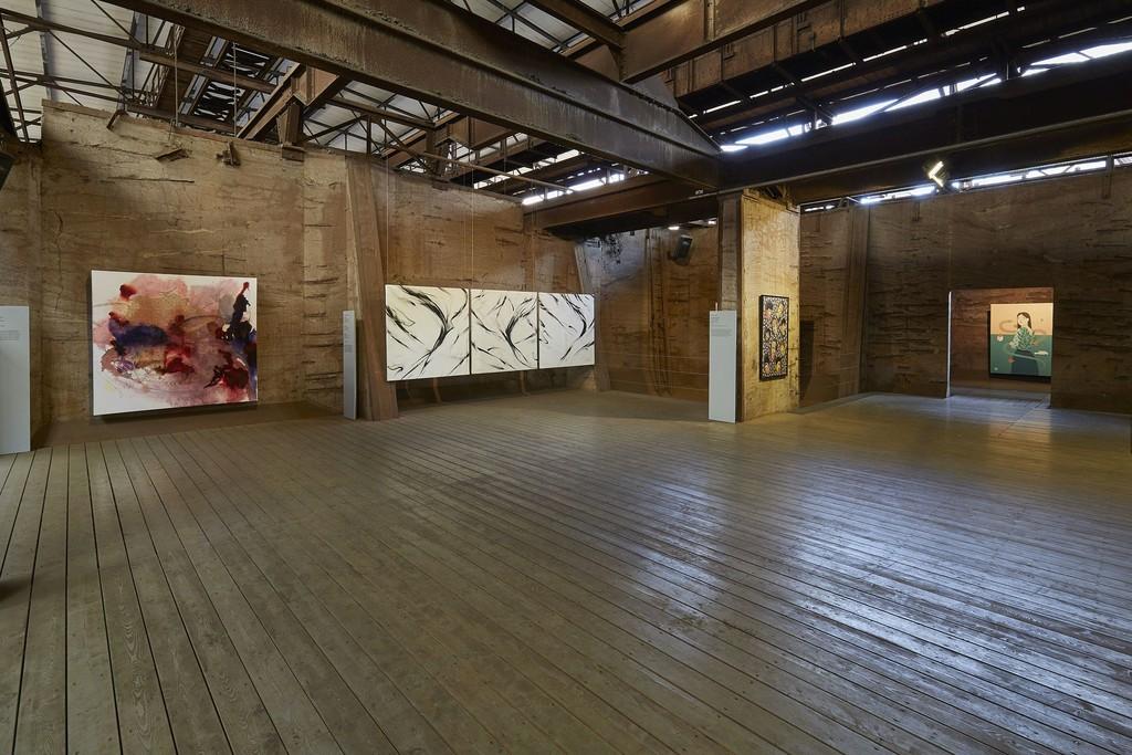 "side angle view of ""Blackbird II, IV & VII"" by sheOne at 5. UrbanArt Biennale 2019"