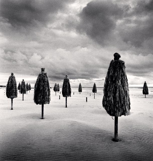 Michael Kenna, 'Thirteen beach umbrellas, Abruzo, Italy', 2016, Photography, Gelatin silver print, Patricia Conde Galería