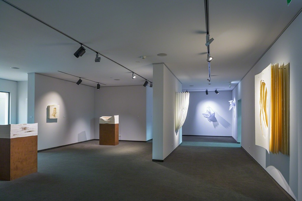 Exhibition space on the ground floor with works by Angela Glajcar (photo: Markus Beyeler)