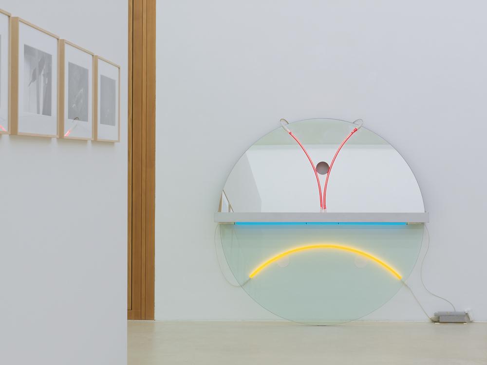 »Energie : analog« | Matthew McCaslin | Gary Kuehn | David Reed | Roman Signer | Keith Sonnier | Michael Venezia | Photo: Günter König