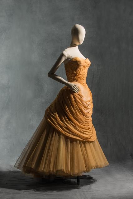 , 'Robe du soir Cygne,,' 1955-1956, Les Arts Décoratifs