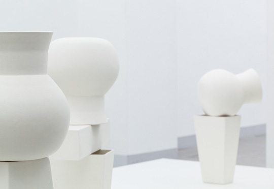 Bernhard Hosa »... LIKE A PHANTOM LIMB ...« Exhibition view, Gallery Raum mit Lich, Photo © Christoph Fuchs