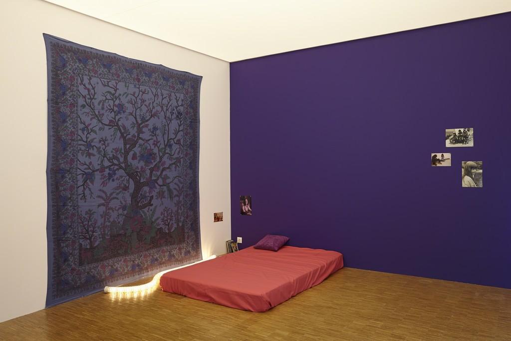 """Dominique Gonzalez-Foerster, """"Nos années 70 (chambre),"""" 1992. Installation view at Centre Pompidou (2015-2016) © Grégoire Vieille © Adagp, Paris 2015"""