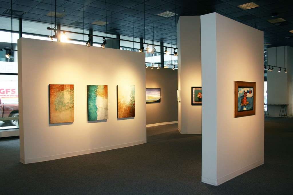 Artist(s) featured: Linda NARDELLI, Joice HALL, Herbert SIEBNER