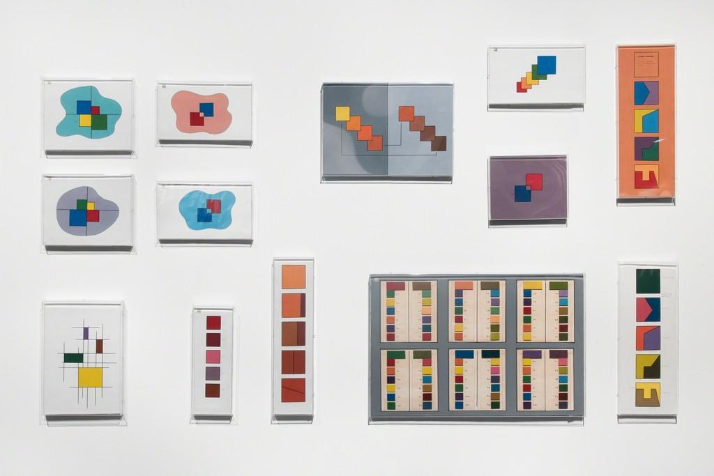 CABINET GNV Group Section: Raúl Lozza - Teoría Estructural del Color [ Structural Theory on Color], 1947