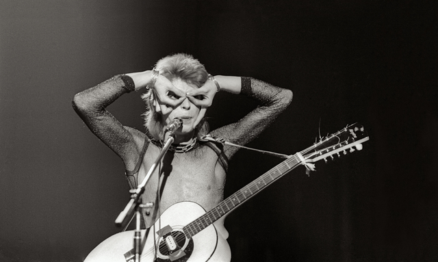 , 'Bowie, Owl Eye Performance, UK,' 1972, TASCHEN