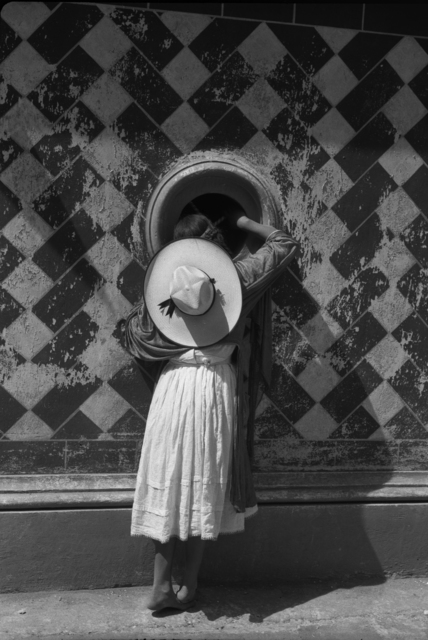 , 'La hija de los danzantes | The daughter of the dancers,' 1933, The Photographers' Gallery