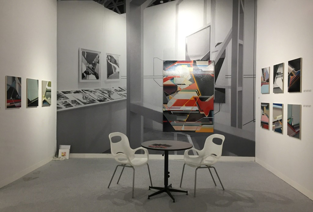 View of the Volta NY stand with paintings by Marc von der Hocht. At the center: 'Scirocco' ; photo: gallery