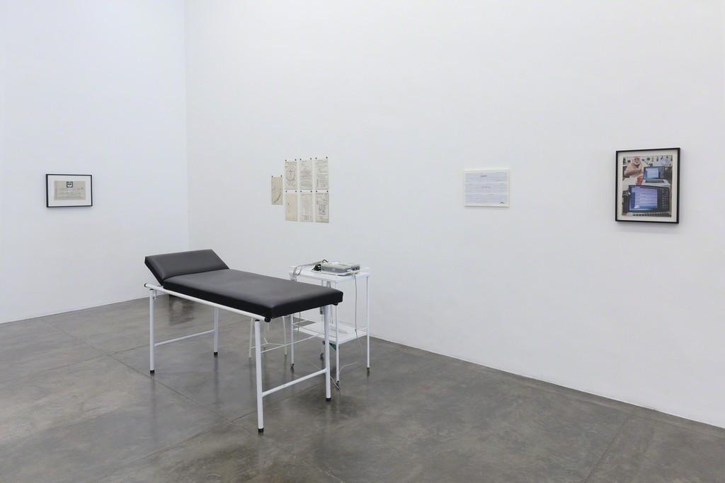 Paulo Bruscky - Galeria Nara Roesler | SP - exhibition view - photo Everton Ballardin © the artist and Galeria Nara Roesler